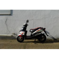 Sinnis Phoenix 50cc Scooter